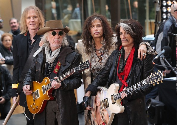 aerosmith forced to cancel remaining tour dates dagger. Black Bedroom Furniture Sets. Home Design Ideas